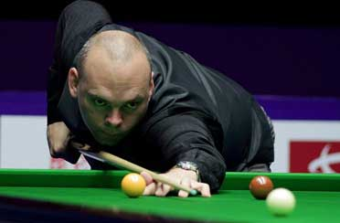 stuart bingham watch the pro players for their actions and learn.